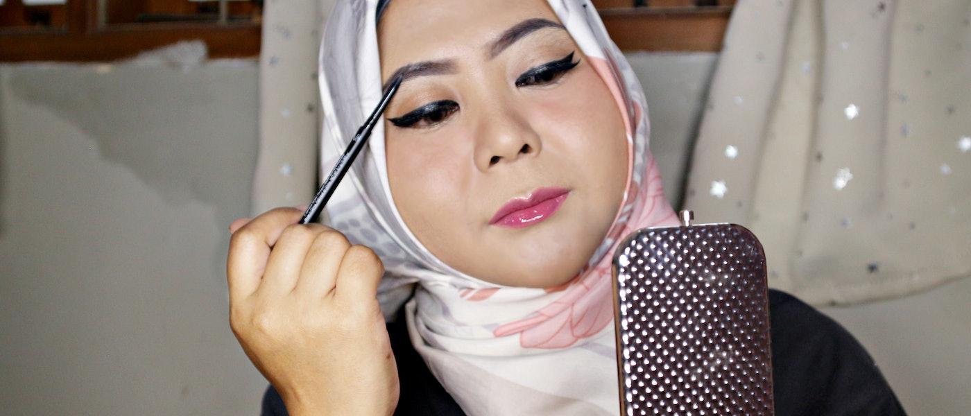 7 Produk Makeup Alis di Bawah 50 Ribu Rupiah Rekomendasi Beauty Blogger Hani Nur