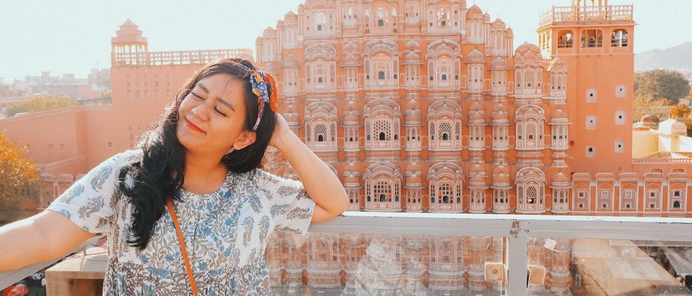 7 Lipstick Merah untuk Kulit Sawo Matang Rekomendasi Travel Blogger Rizka Nidy