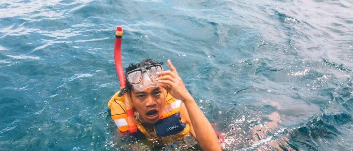 8 Barang yang Wajib Dibawa Saat Liburan ke Pantai Rekomendasi Travel Blogger Alid