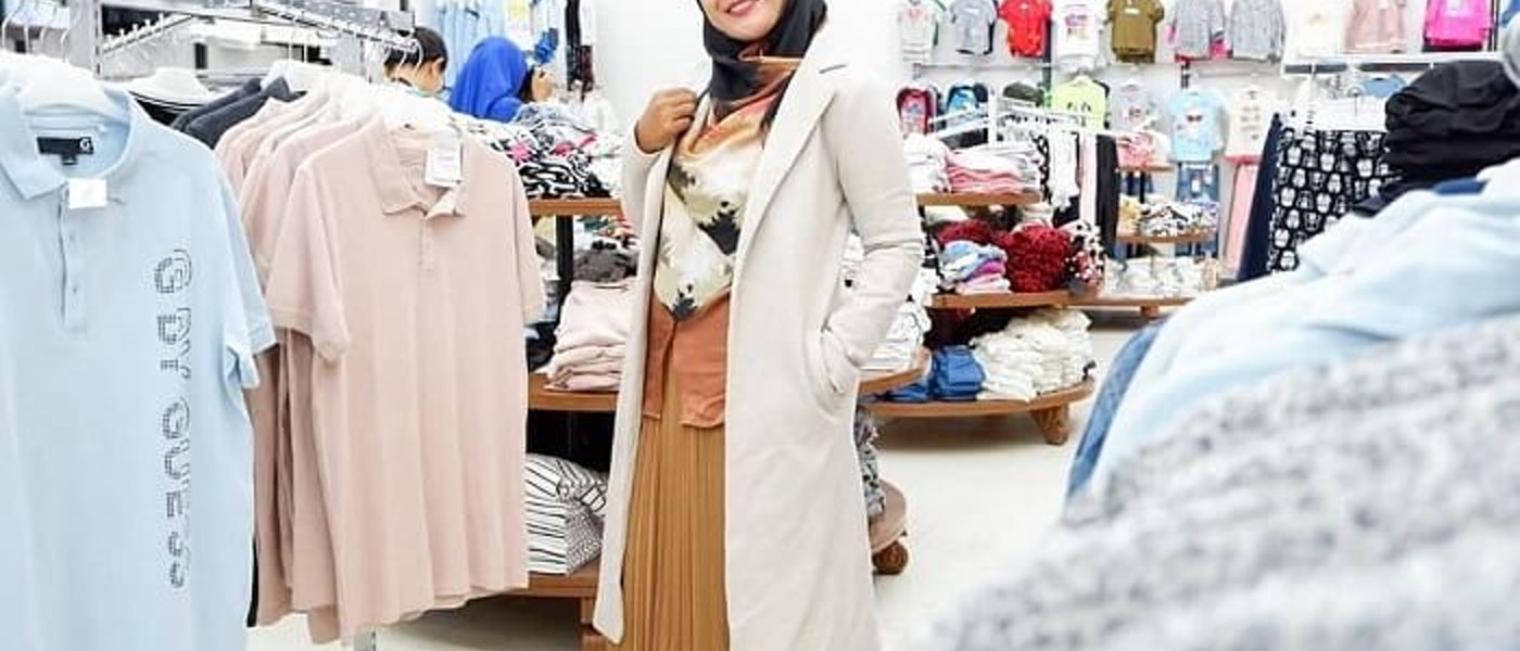 Tetap Fashionable Walau Berhijab Syar'i? Simak 7 Rekomendasi Fashion Item yang Harus Kamu Miliki