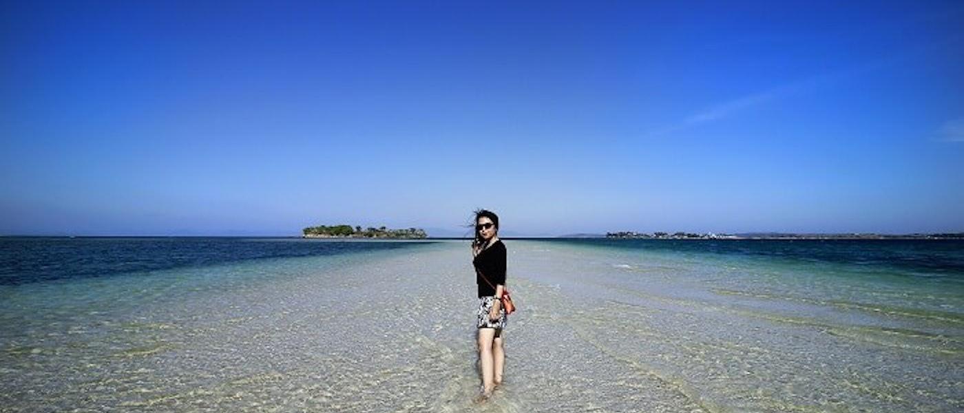 7 Produk untuk Tampil Simpel bagi Wanita yang Hobi Travelling Rekomendasi Travel Blogger Multi Siahaan