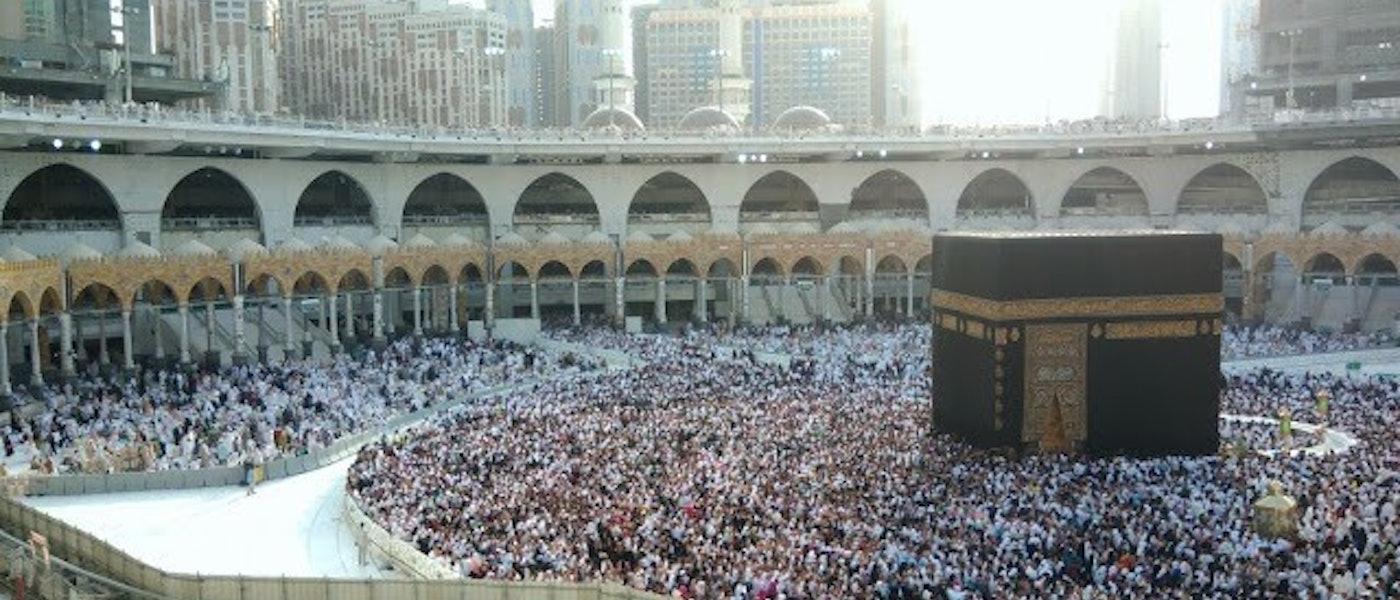 9 Perlengkapan yang Perlu Dipersiapkan untuk Haji dan Umrah Rekomendasi Lifestyle Blogger Alida