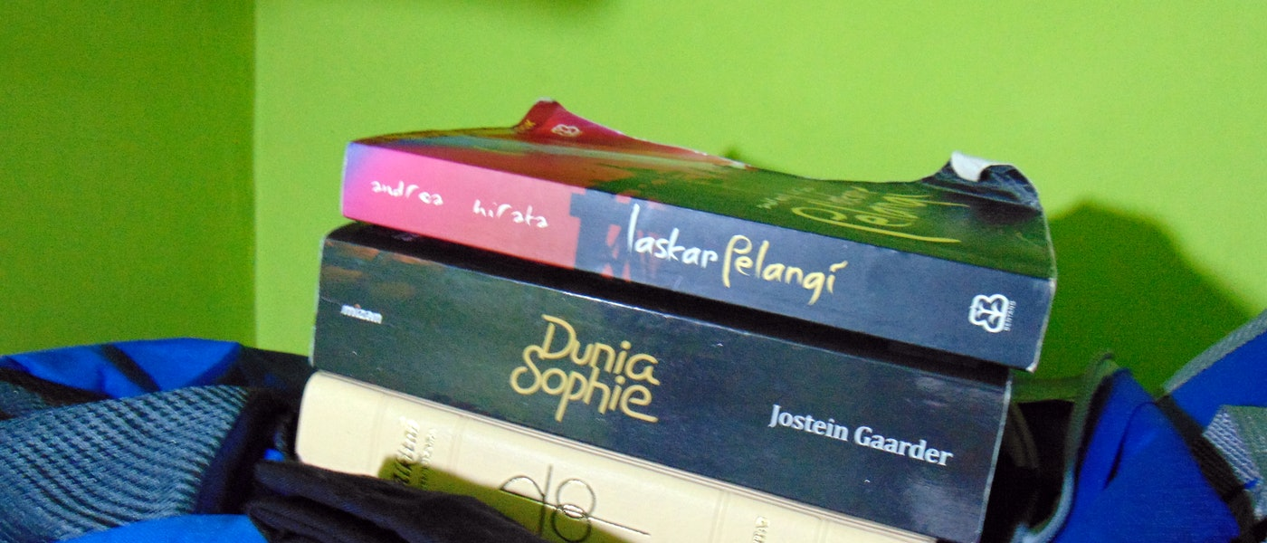 7 Rekomendasi Novel Pilihan untuk Mengisi Waktu Selama #DiRumahAja