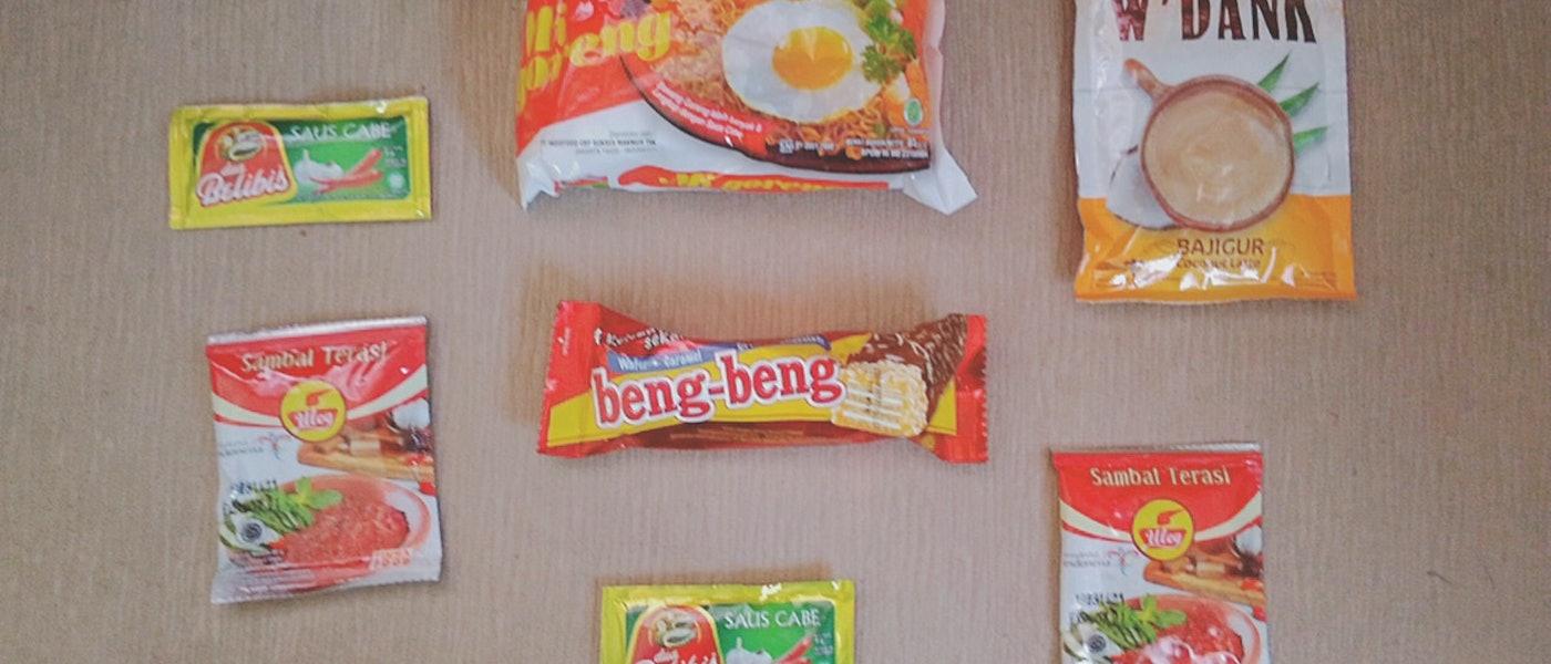 7 Pilihan Makanan dan Minuman untuk Oleh-oleh ke Luar Negeri Rekomendasi Lifestyle Blogger Pipit Widya