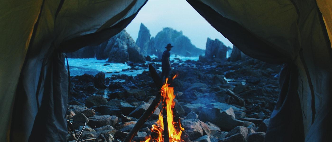 9 Peralatan Survival yang Wajib Dibawa Saat Camping di Alam Bebas Rekomendasi Travel Blogger Redha Ibadah Mimpi