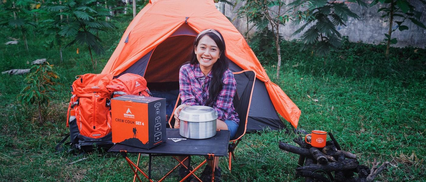 8 Perlengkapan Outdoor Tambahan yang Cocok Dibawa saat Camping Ceria Rekomendasi Travel Vlogger Uki Wardoyo