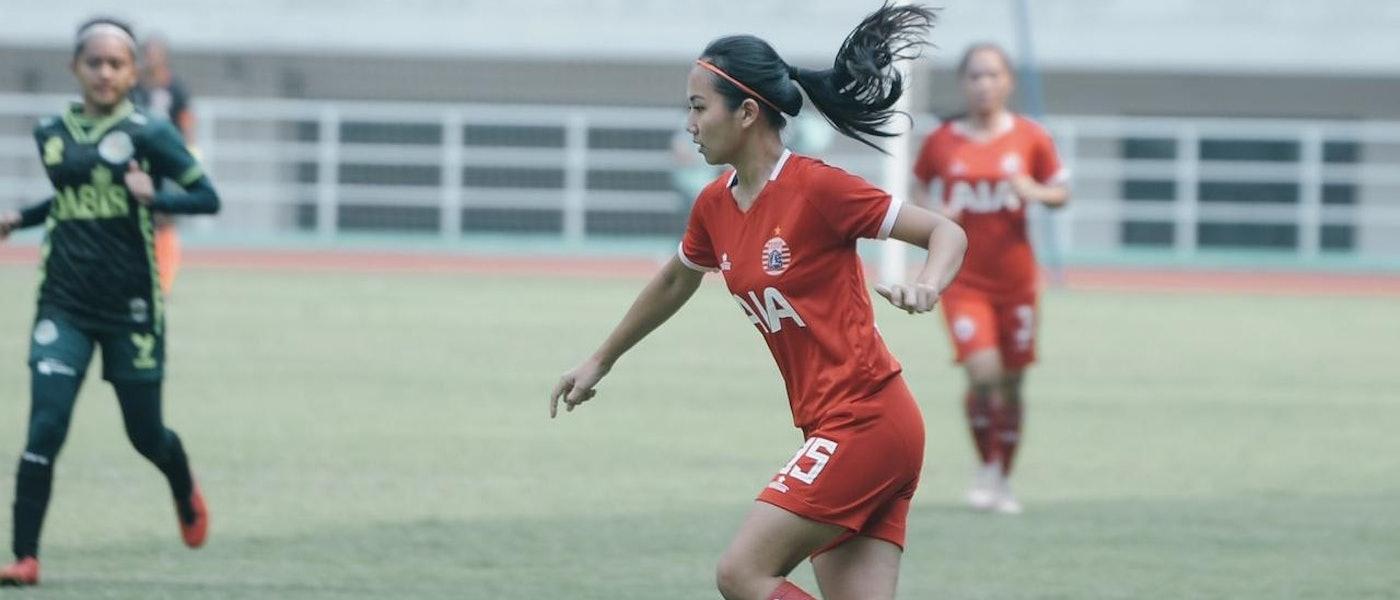 8 Rekomendasi Perlengkapan Pemain Bola Wanita