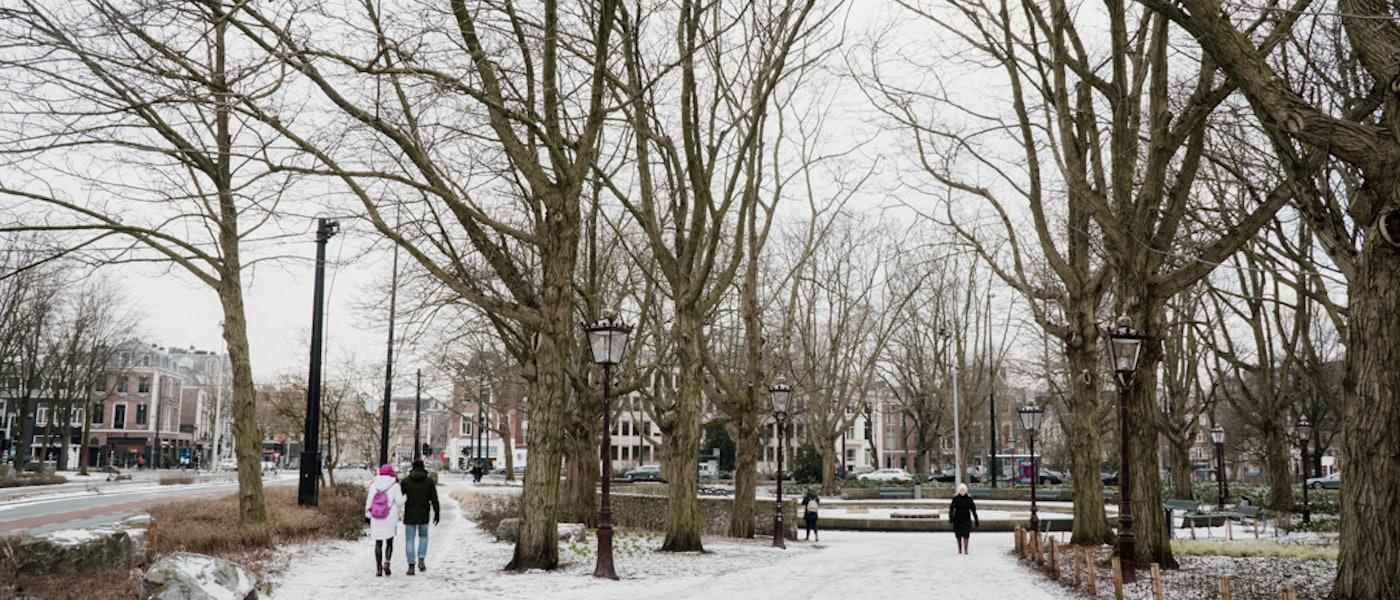 7 Rekomendasi Outfit Pria yang Wajib Dibawa untuk Travelling ke Luar Negeri saat Musim Dingin