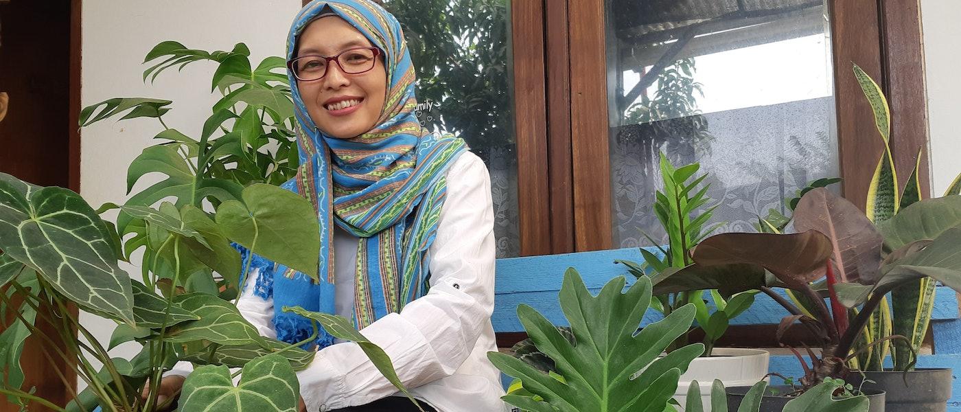 7 Alat untuk Berkebun di Rumah Rekomendasi Lifestyle Blogger Rina Susanti