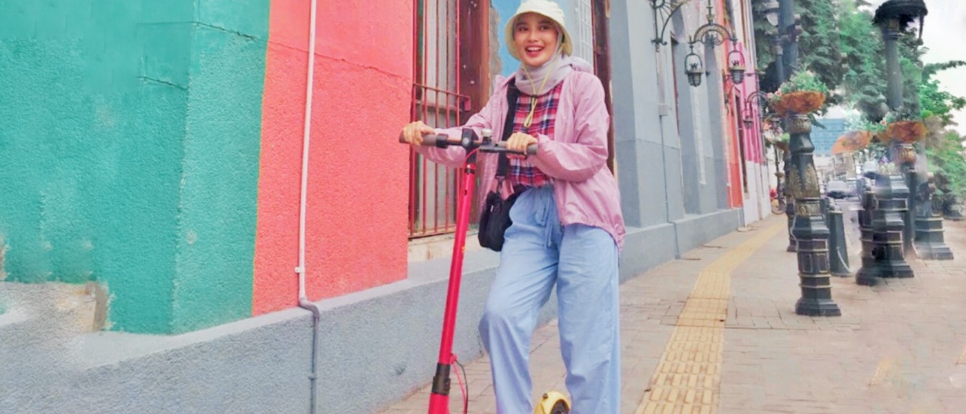 10 Fashion Items untuk Hijabers agar Tampil Quirky Colorful Rekomendasi Fashion Influencer Galuh Bestarri