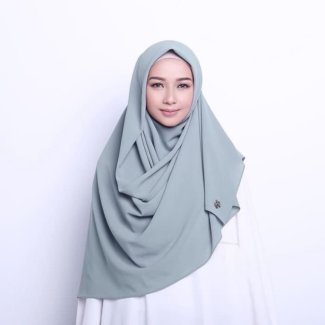Hijab Princess  HDI Wide Square 1