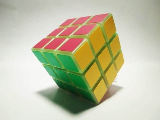 YongJun  Magic Cube Glow in The Dark 1