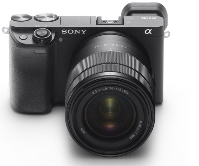 Sony α6400 E-mount camera with APS-C Sensor 1