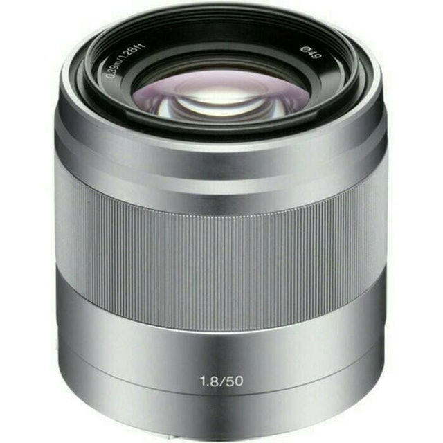 Sony  E 50mm F1.8 OSS  1