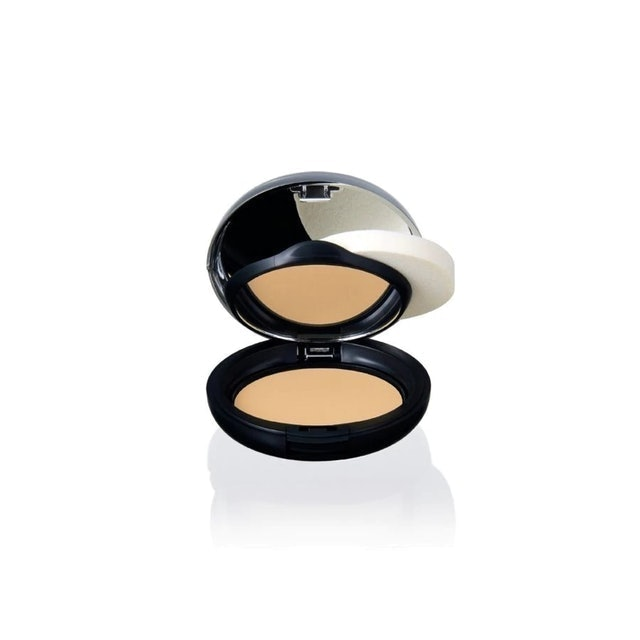 The Body Shop All In One Face Base 1