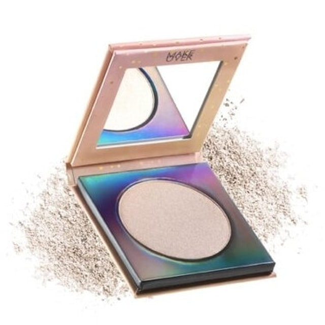 Make Over  Riche Glow Face Highlighter 1