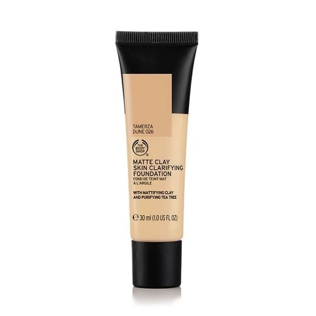 The Body Shop Matte Clay Foundation 1