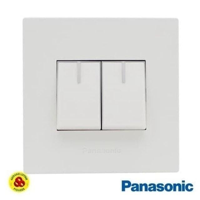 Panasonic  Sakelar Seri 2G WESJ78029 + WESJ5931 White Style Series 1