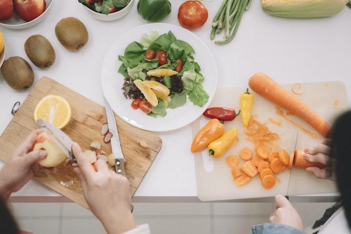 Pisau serba guna, bisa digunakan untuk memotong daging, ikan, dan sayuran