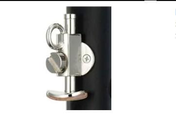 Pilihlah clarinet dengan thumb rest yang bisa disesuaikan