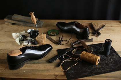 Ketahui material sepatu yang akan Anda beli