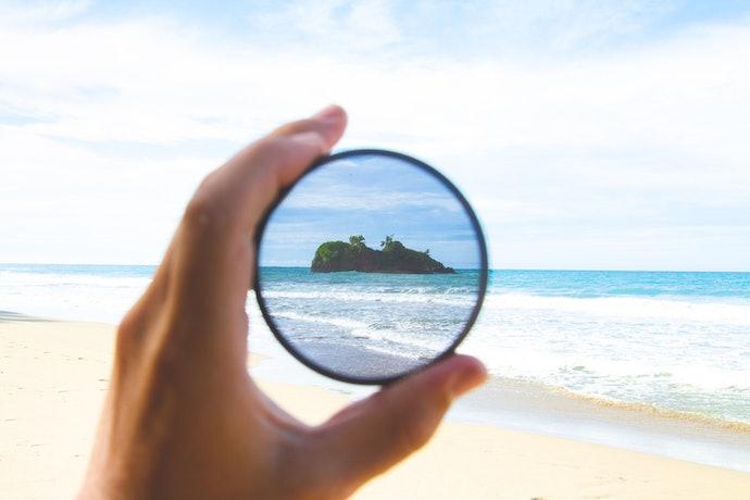 Lensa terpolarisasi: Menjaga mata dari sinar UV saat beraktivitas di luar ruangan