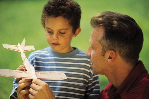 Hadiah untuk anak atau keponakan, perhatikan keamanannya