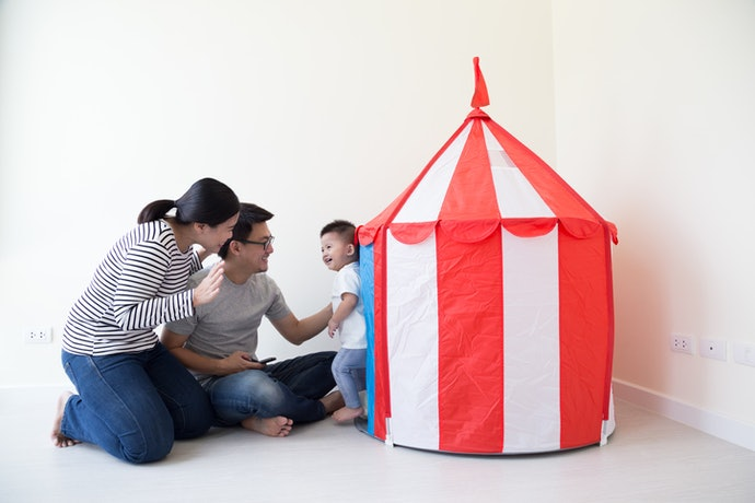 Castle tent, mudah dibongkar pasang dan ringkas