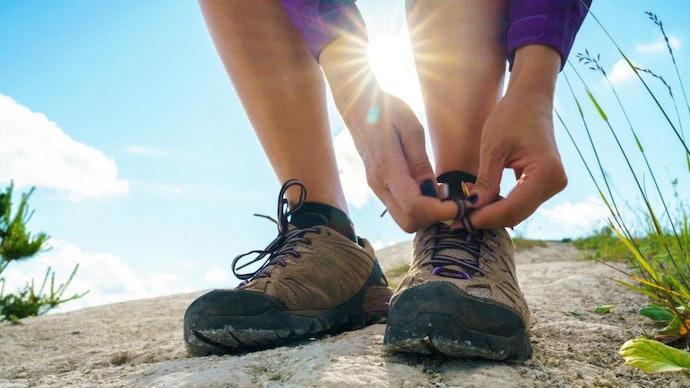 Outdoor shoes, untuk Anda yang hobi melakukan kegiatan outdoor