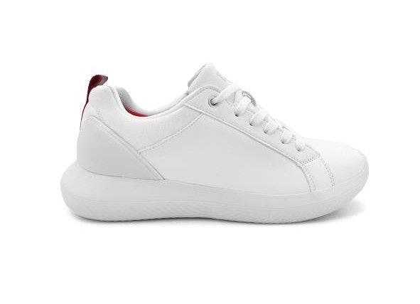 Sneakers, sepatu casual untuk kegiatan sehari-hari