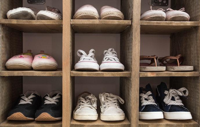 Rak sepatu kayu, kukuh sekaligus terlihat klasik