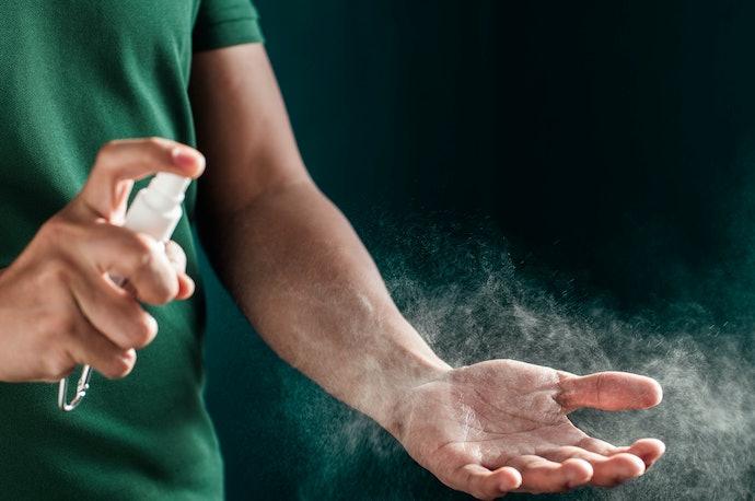 Spray, pemakaiannya lebih praktis