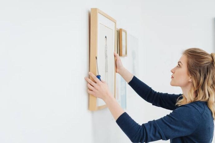 Hiasan yang dipasang di pintu atau dinding, desainnya sangat variatif