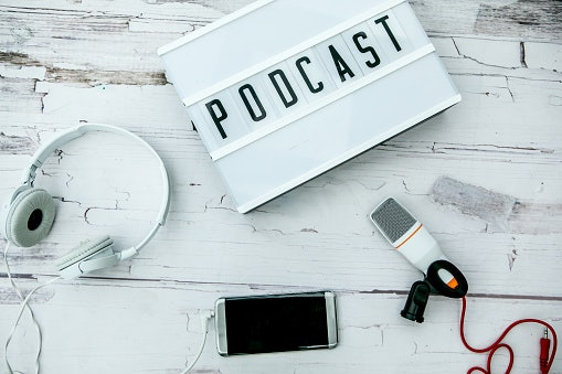 Apa yang dimaksud dengan podcast?