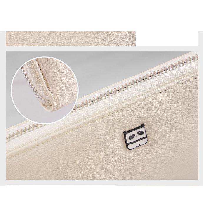 Perhatikan detail dompetnya