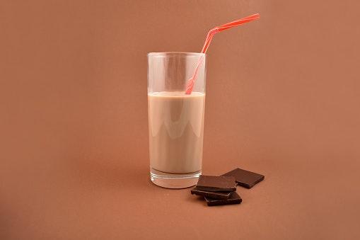 Manfaat meminum susu cokelat