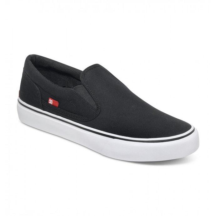 Slip-on: Bisa dipakai dengan mudah, praktis untuk main skateboard