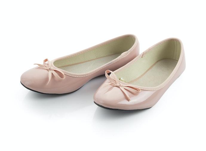 Sepatu flat: Timeless dan dukung aktivitas Anda yang padat