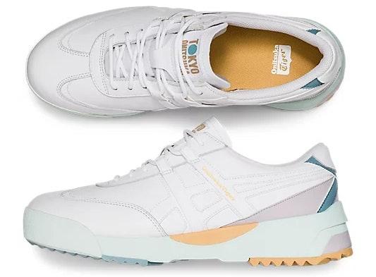 Untuk olahraga, gunakan sepatu yang sporty dan nyaman dipakai