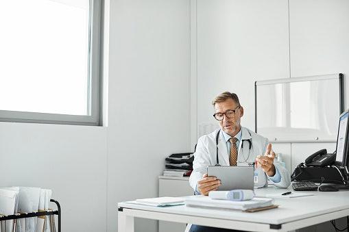 Kesehatan: Mencakup kesehatan mental dan tips hidup sehat