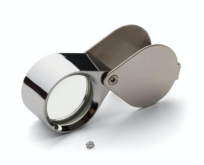Tipe portabel, compact dan mudah dibawa ke mana-mana