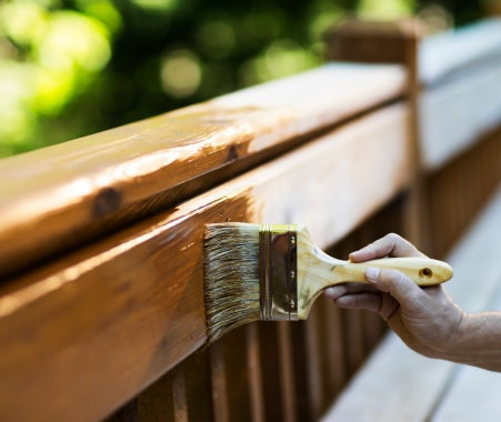 Thinner untuk mengecat bahan kayu dan besi