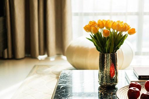 Bunga bertangkai, lebih cantik dirangkai di dalam vas