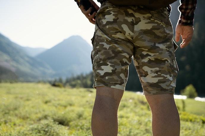 Celana pendek: Tampil kasual, nyaman digunakan saat cuaca panas