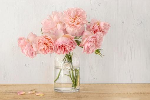 Tips menyimpan dekorasi bunga dalam vas