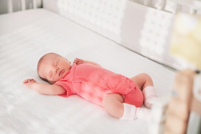 Kancing bukaan depan, disarankan untuk bayi baru lahir