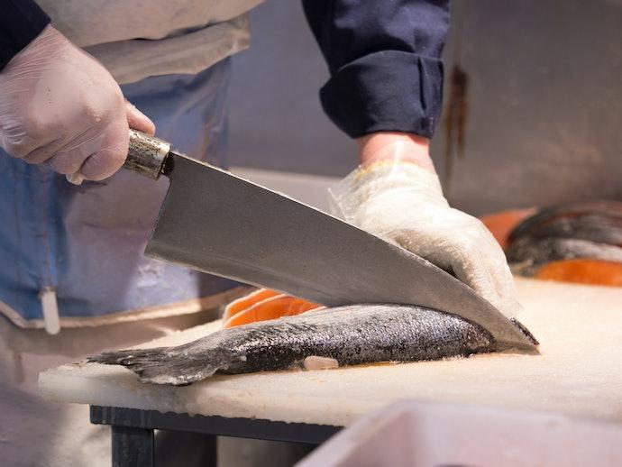 Pisau ikan, mulai dari memotong ikan utuh hingga membuat sashimi