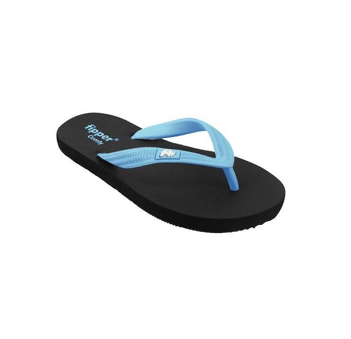 Sandal pantai: Desainnya simpel, ringan, dan mudah dibersihkan