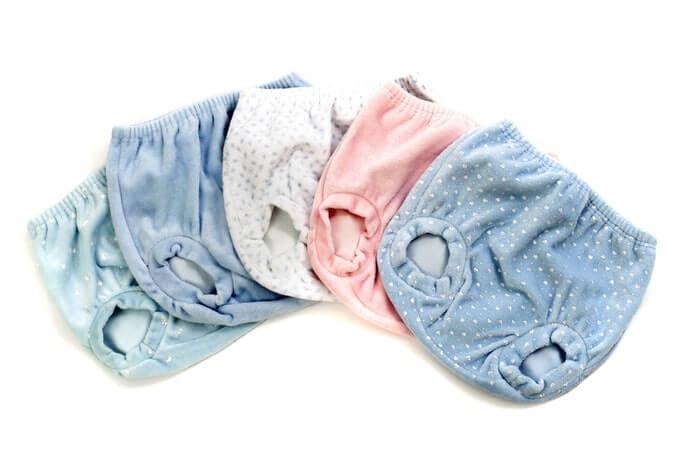 Celana pendek atau pops untuk bersantai di rumah