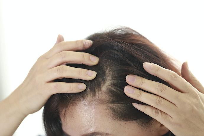 Perbedaan tonik penyubur rambut dengan tonik penumbuh rambut